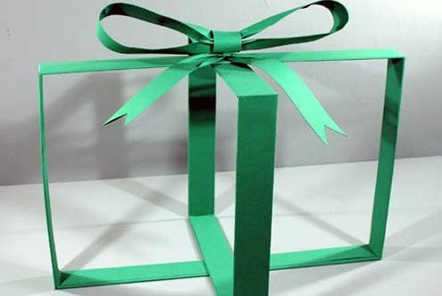 Gift-wrapping is a tradition in Italy.