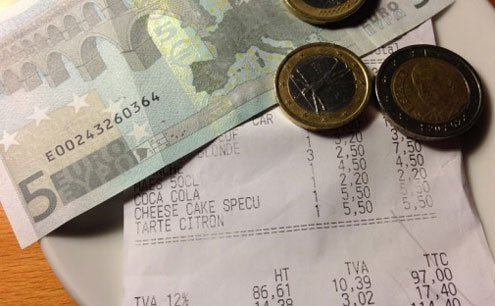 Some foreigners who live in Italy buck the trend and tip according to the customs they know.